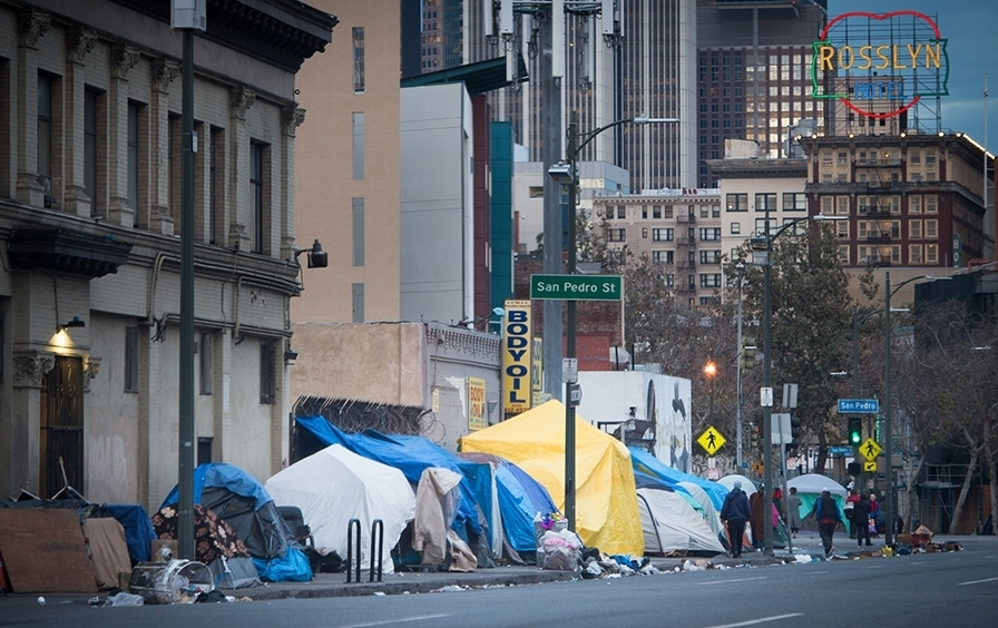 WELCOME TO L.A - CALIFORNIA: HOME OF HOLLYWOOD, DISNEY AND THE HOMELESS